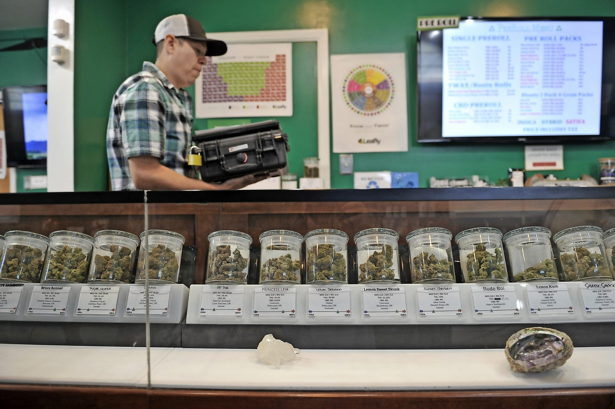 Pandemic fuels pot-buying explosion